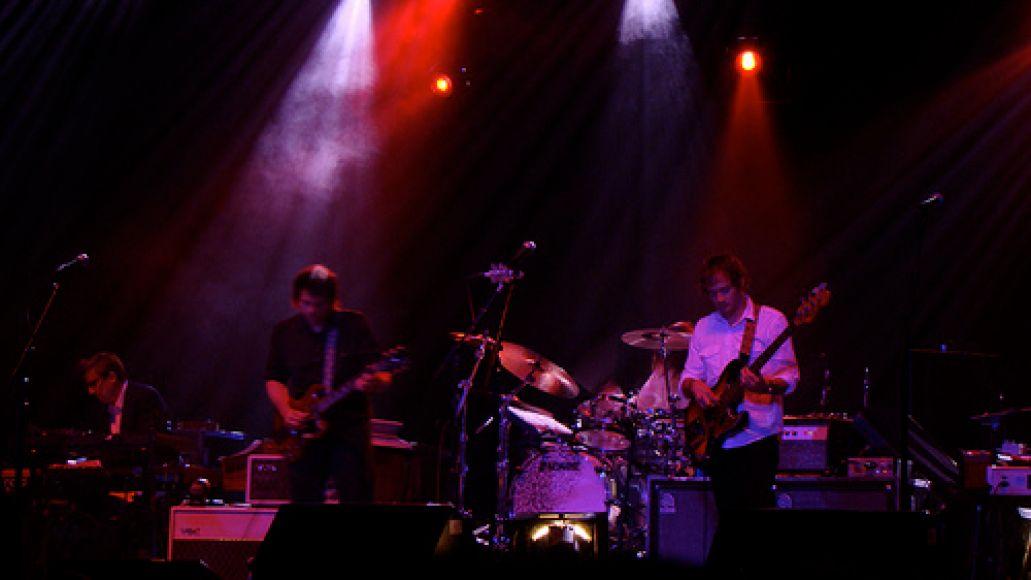 2742393737 5eb183ce49 Wilco ignites at Florida Theater (8/7)