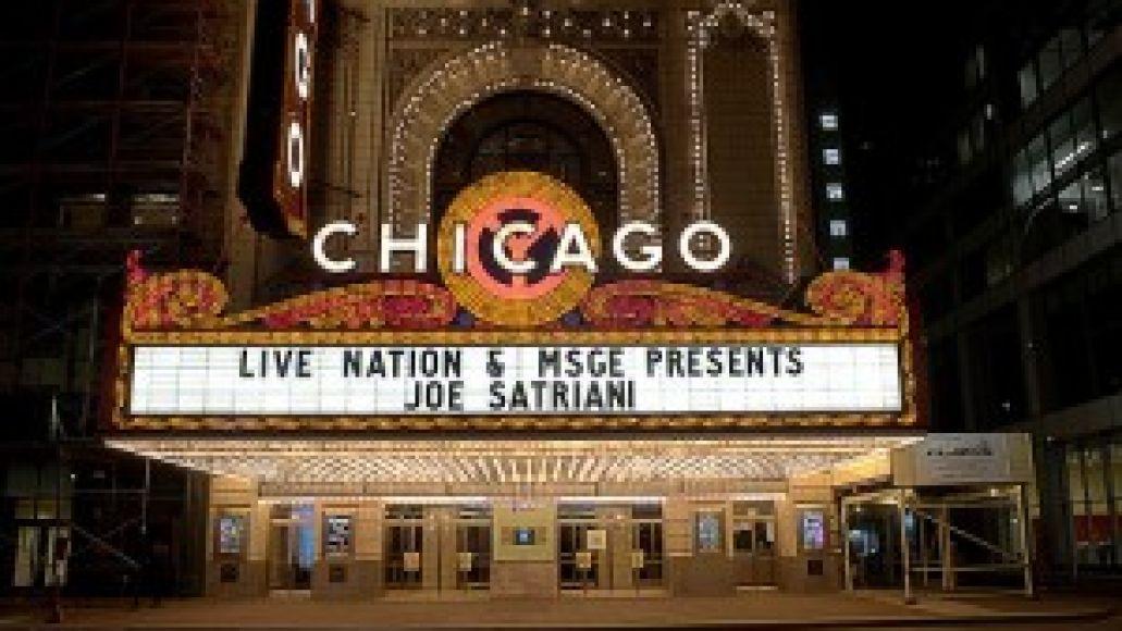 2926667085 0115676fbb 300x198 Joe Satriani boogies at the Chicago Theater (10/8)