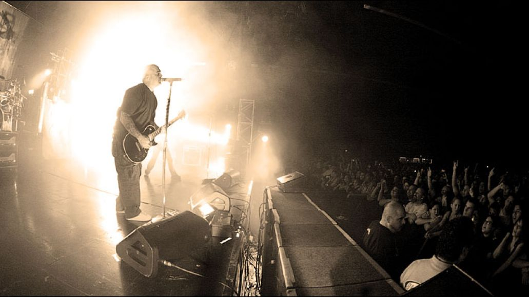 staind Seether falls short, Papa Roach rises above, and Staind makes its mark in Greensboro, NC (10/7)