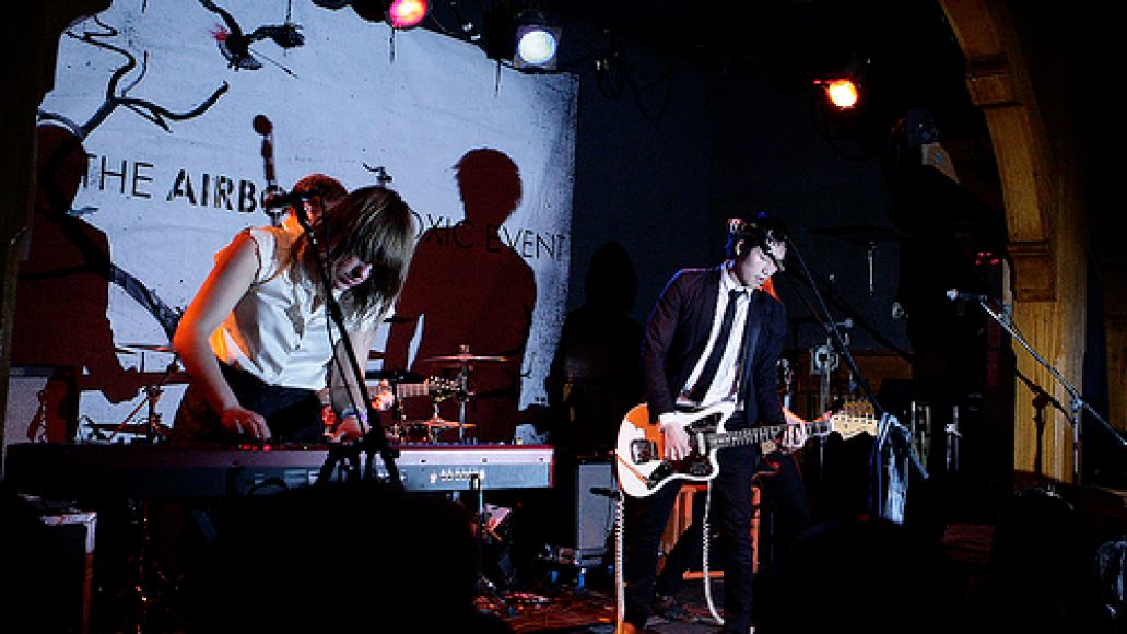 ate4 The Airborne Toxic Event lands at Schubas (2/28)