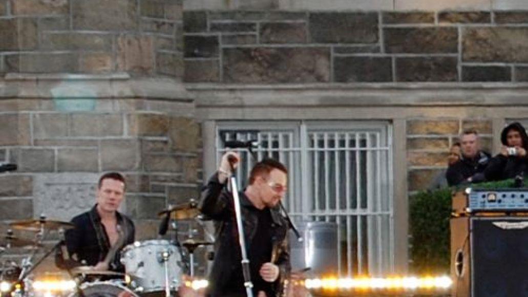 dsc 0011 U2 wakes up Fordham University (3/6)