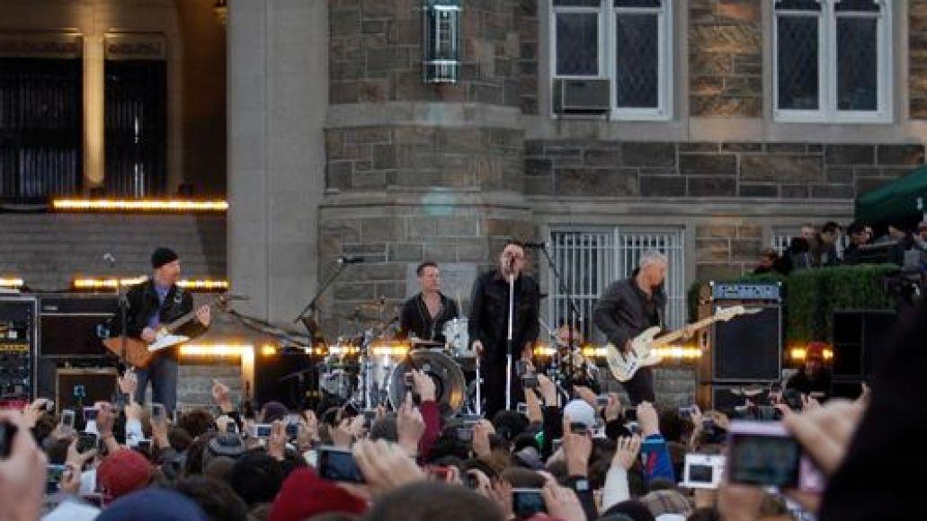 dsc 00201 U2 wakes up Fordham University (3/6)