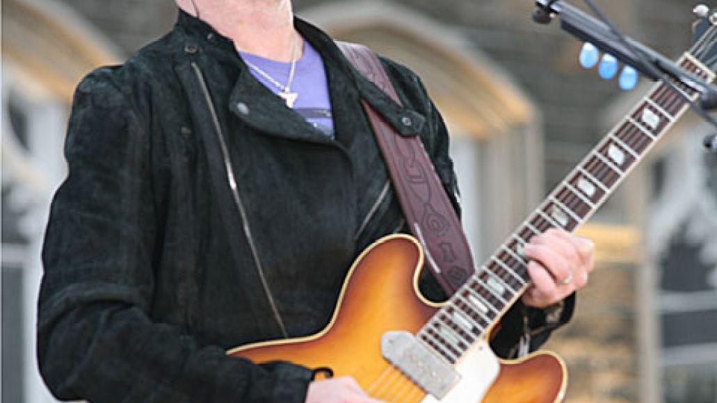 u2live U2 wakes up Fordham University (3/6)