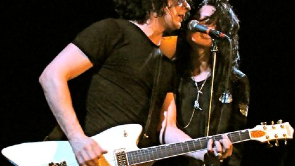 deadweather7 In Photos: The Dead Weather makes debut at Bowery Ballroom (4/14)
