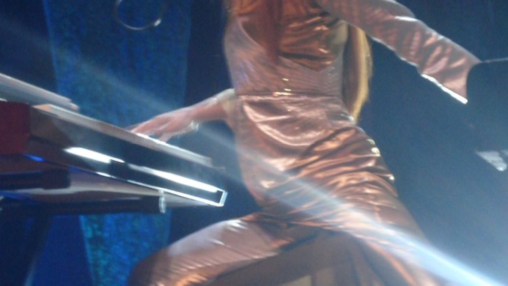tori2 Tori Amos gets sinful at The Chicago Theatre (8/3)