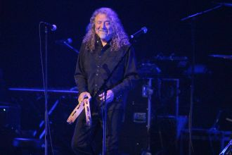 Robert Plant and the Sensational Space Shifters // Photo by Heather Kaplan